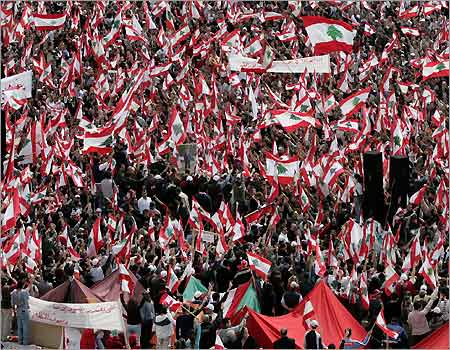 4_22_022805_beirut_protests.jpg